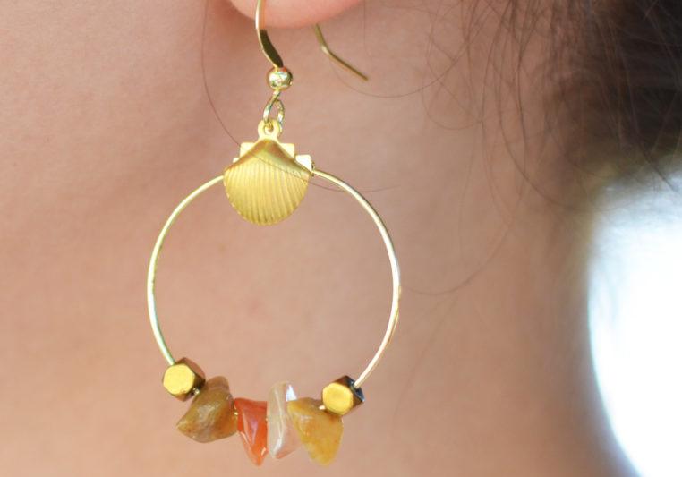 création boucles d'oreilles perle chips
