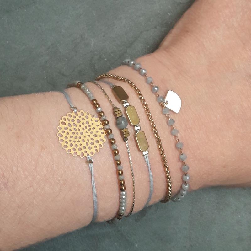 création petits bracelets gris
