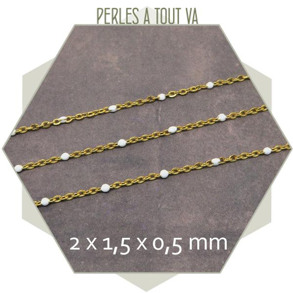 1m de chaîne acier doré et maillons émaillés blanc