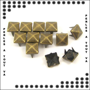 50 clous pyramides Bronze 7 mm