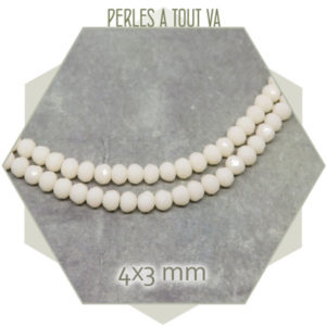 135 perles de verre à facettes donuts crème 4x3 mm