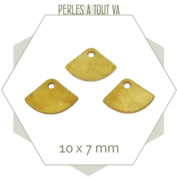 40 breloques éventails lisses laiton brut à polir/plaquer