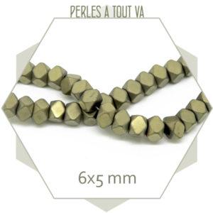 75 perles polygones en hématite bronze mat