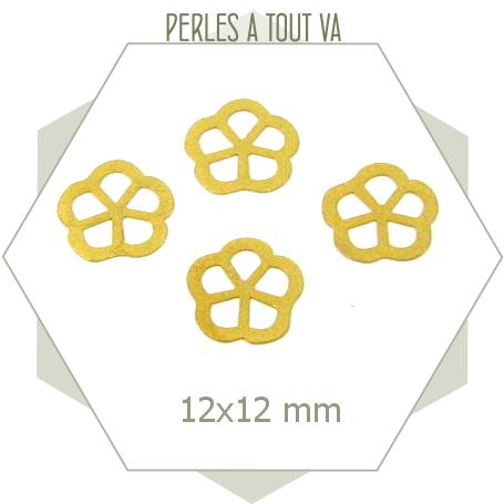 15 breloques fleurs japonaises doré mat