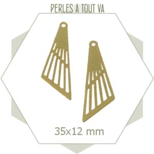 8 breloques triangle asymétrique bronze