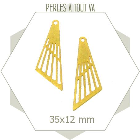 8 breloques triangle asymétrique doré mat