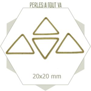 20 anneaux fermés triangles 20 mm laiton brut doré, connecteurs