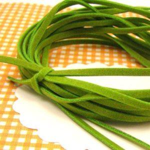 10 cordons plats de 1 m de feutrine verts