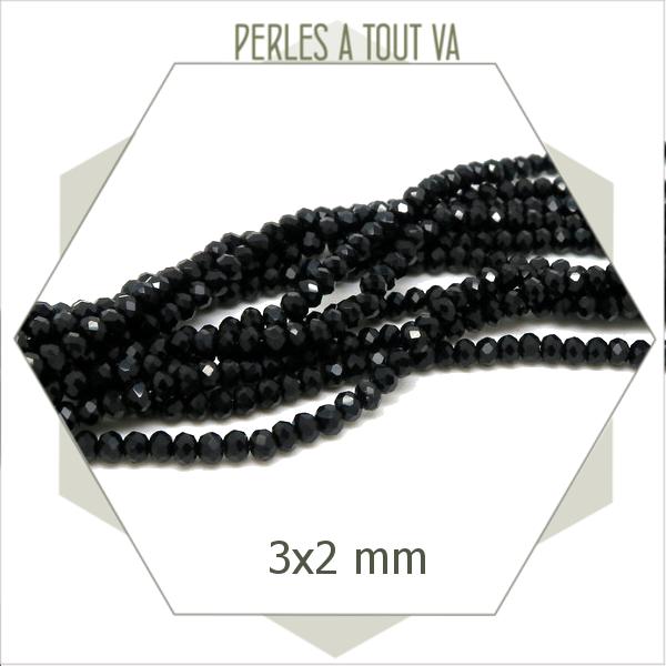 145 perles de verre donut noires  3x2 mm