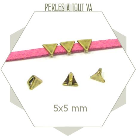 6 perles passantes triangles bronze