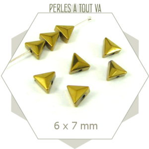68 perles hématite triangulaires dorées, triangles hématite galvanisée légèrement bombées