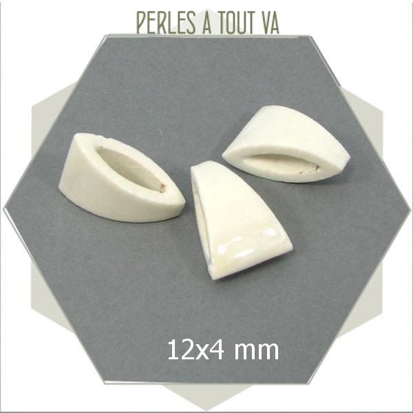 8 perles en porcelaine blanche triangle pour bijoux