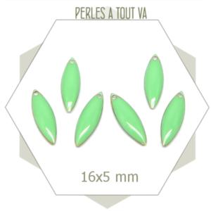 6 petits sequins émaillés  navette 5 x 16mm vert d'eau, ovale, émail époxy