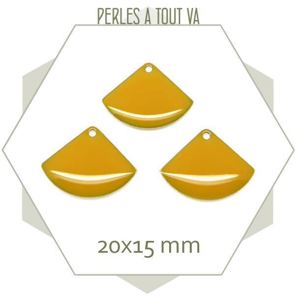 pendentifs émaillés jaune moutarde