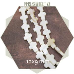 Perles croix nacre