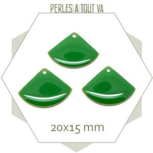 Sequins émaillés éventails vert