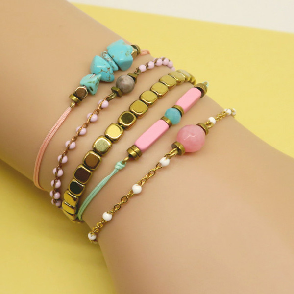 Stacking bracelets tendance