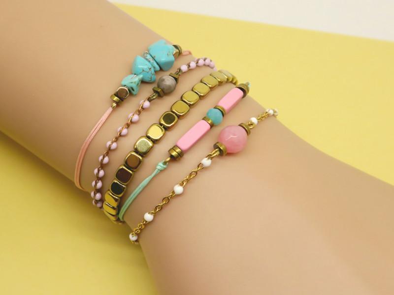 idée bracelets fins dorés