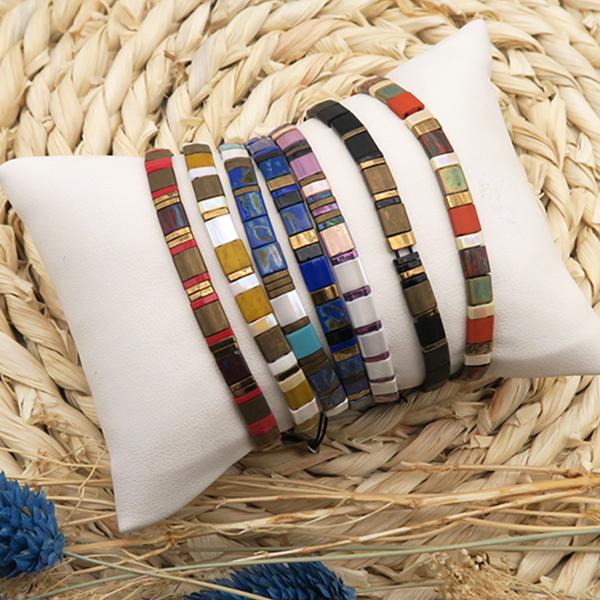 Création bracelet perles tila DIY