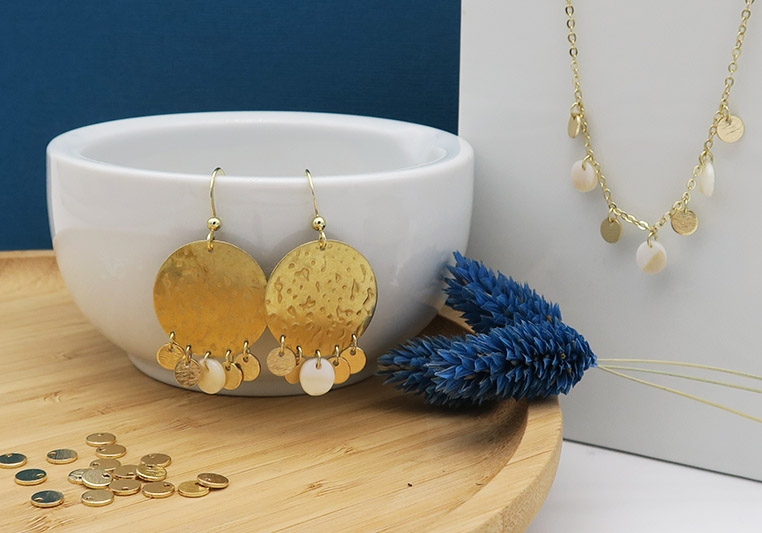 parure bijoux dorés